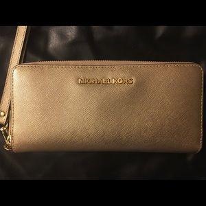 ⭐️Gently used‼️Michael Michael Kors Wallet‼️⭐️